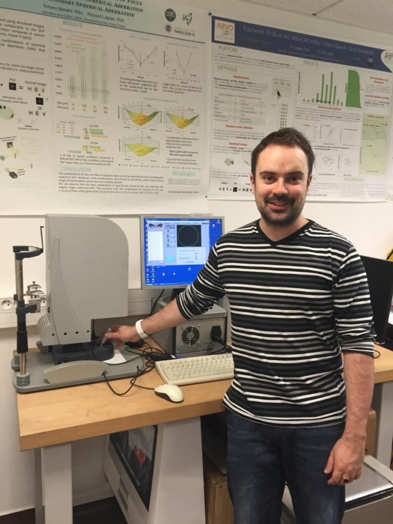 Découvrez le parcours d'un doctorant en Optométrie et Sciences de la Vision